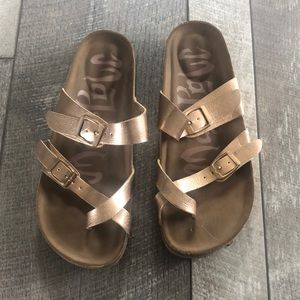 Mad Love Gold Footbed Sandals size 6